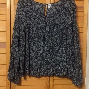 Beautiful flowy Old Navy blouse size XL